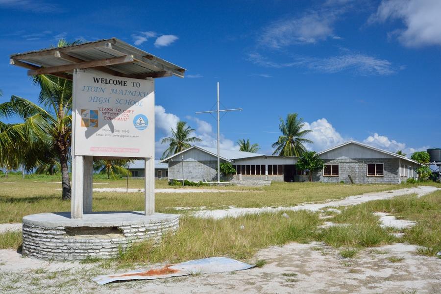 Kiritimati (Christmas Island) - towns and life of the island