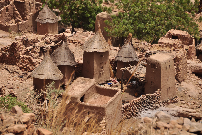 Trekking From Mali Plateau To Dogon Country Below